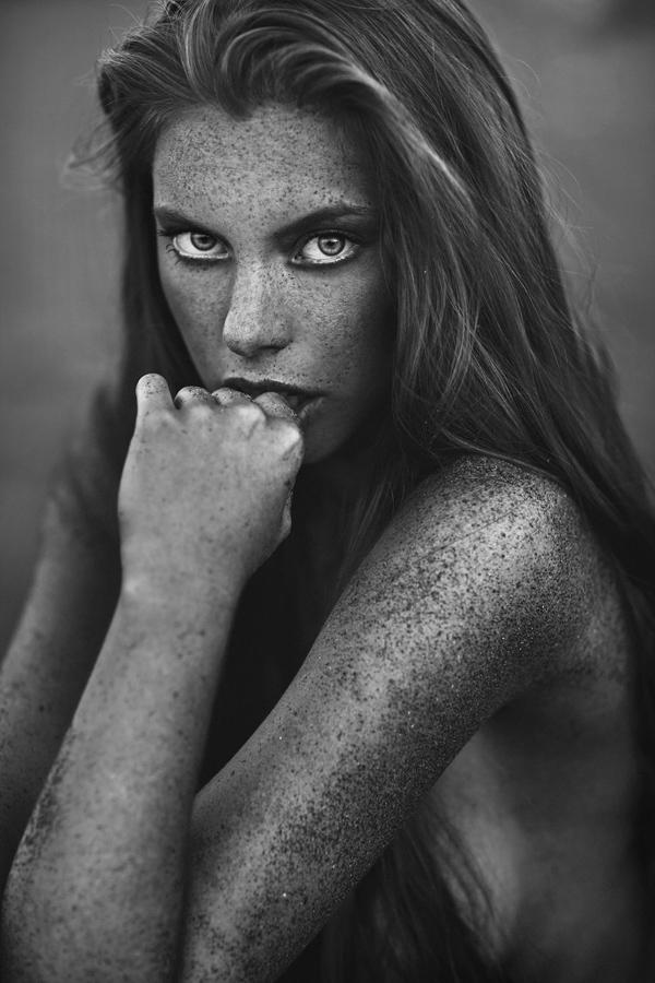 Sand_by_Nikos_Vasilakis